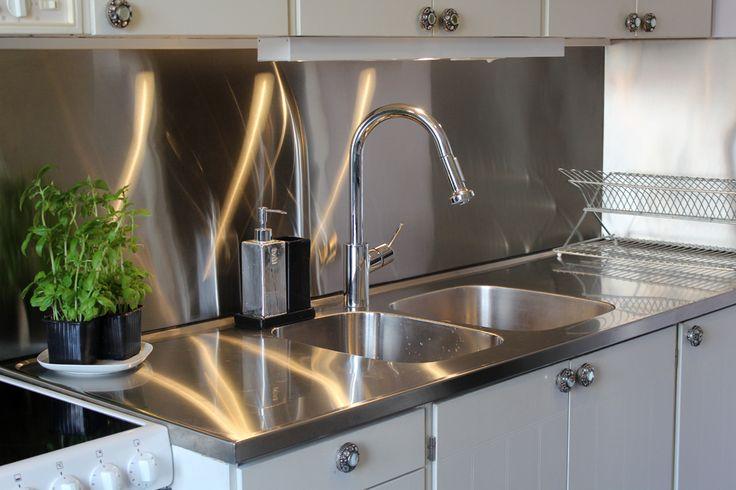 Kitchen inspiration. Metal splashback