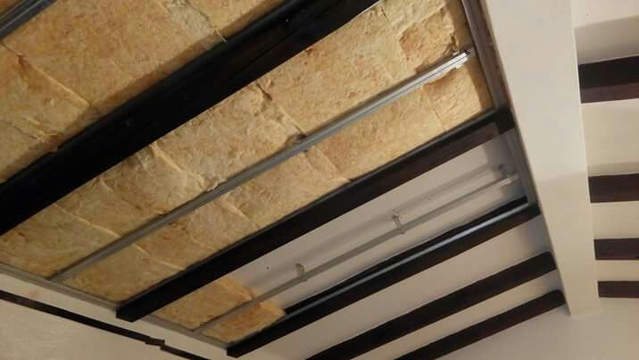 Tecto Falso com Isolamento Térmico e Acústico pelo interior. Suspended Ceiling with Thermal and Acoustic Insulation  http://www.renobuild.pt/servicos/isolamento-termico-algarve/ http://www.renobuild.pt/en/services/thermal-insulation-algarve/  #renobuild #pladur #gyptec #knauf #isolamentotérmico #thermalinsulation #acousticinsulation #isolamentoacústico #algarve #portimão