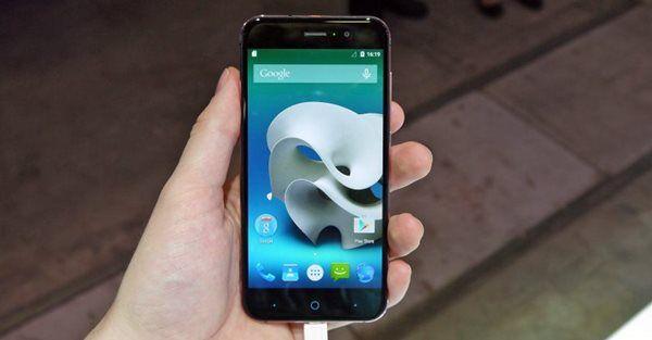 """Çin'in en büyük akıllı telefon üreticisi ZTE, yeni akıllı telefonu Blade V6'yı Türkiye'de satışa sundu. ZTE'nin yeni akıllı telefonu alanının en ince tasarıma sahip olma özelliğini taşıyor. Yeni ZTE Blade V6 ile tasarımda şıklık, teknoloji de güç birleşiyor. 5""""lik HD geniş ekranı ve soft bitişli tasarımı ile yeni ZTE Blade V6 ile tanışın. ZTE'nin en …"""