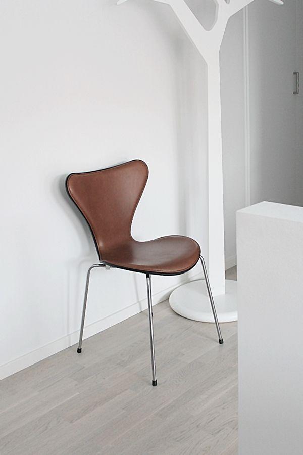 sjuan stol brun läder - Google Search