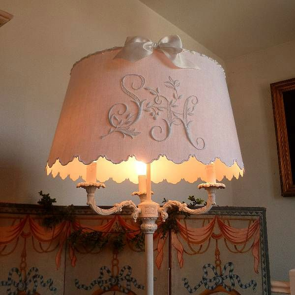243 best lamp shades images on pinterest lamp shades for Lampadaire style shabby