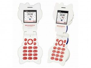 エルミタージュ秋葉原 – キティちゃんがそのままケータイになった、手のひらサイズの「ハローキティフォン」が今週発売