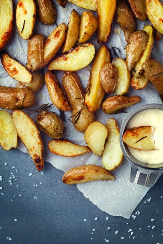 Rosemary Fingerling Potatoes with Lemon Garlic Aioli