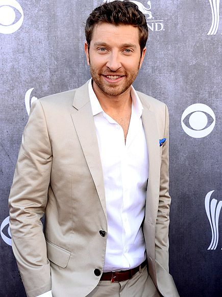 Watch Brett Eldredge's Hot New 'Mean to Me' Video http://www.people.com/article/brett-eldredge-mean-to-me-video