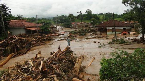 Brasil: Al menos 15 muertos por inundaciones en San Pablo - http://verdenoticias.org/index.php/blog-noticias-medio-ambiente/159-brasil-al-menos-15-muertos-por-inundaciones-en-san-pablo