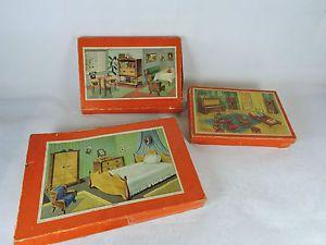 3-alte-Kartons-mit-Puppenmobel-FD-Puppenstube-Schowanek-anschauen