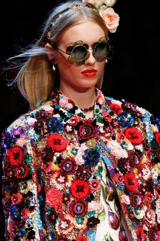 You need all these pieces from Dolce & Gabbana's spring/summer '18 show to ensure your summer will be Instagram-worthy - Vogue Australia