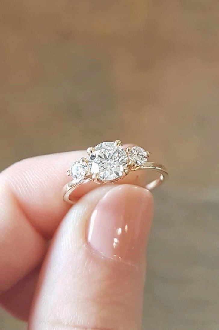 Stunning simple wedding rings. 2363 #simpleweddingrings