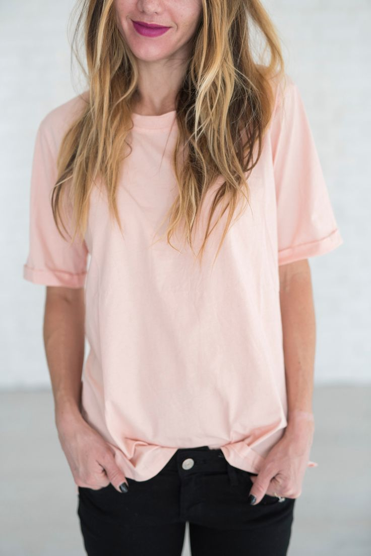We are pretty obsessed with anything blush, so this tee is an absolute MUST! 100% Cotton See Sierra's sizing HERE, she is wearing size Small See Margie's sizing HERE, she is wearing size Large Complet