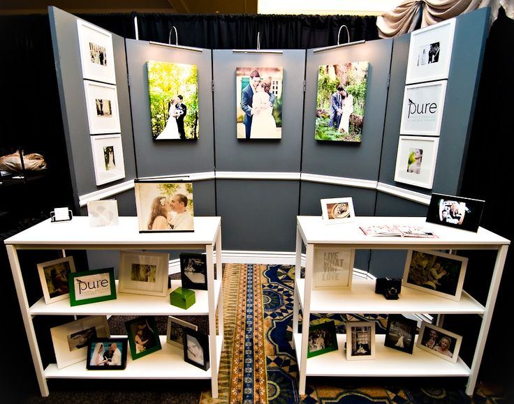 bridal show booth ideas | On the left is my feature sample album with a small highlight album ...