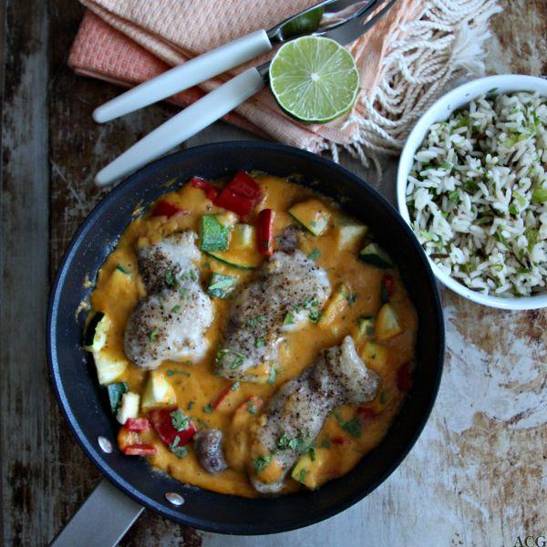 Prøv spicy mangokylling til middag: kyllinglårfileter og grønnsaker med enkel og eksotisk mangosaus er svaret når du leter etter du god hverdagsmiddag