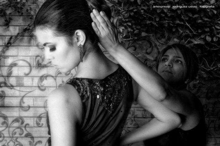 https://flic.kr/p/LVWUHk | Camila  Jul 2016  58 | Book Fotografico de Alta Costura / Modelo: Camila Rabelo / Local: Brilho De Noiva / Belo Horizonte, MG // Fotografia: Artexpreso . JL Rodriguez Udias / *Photochrome Artwork Edition . Jul 2016 .. Website: rodudias.wix.com/artexpreso #artexpreso #altacostura #fashion