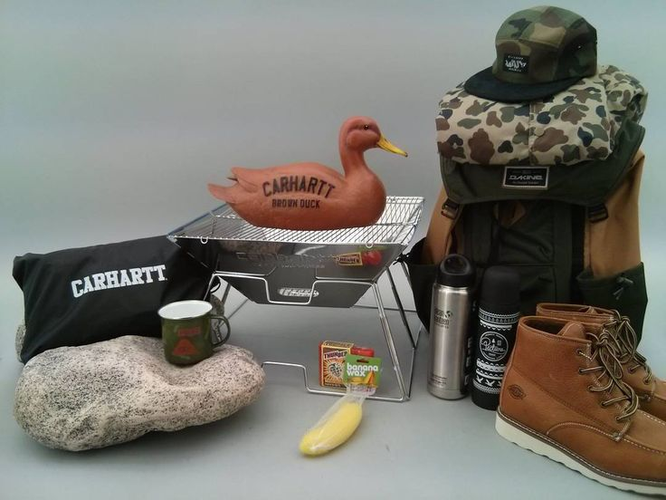 On fait rôtir le canard avec le kit HawaiiSurf camping !  Barbecue hamac et thermos @carharttwip / Chaussures et veste @dickiesofficial / Sac @dakine /Thermos @pictureorganicclothing / Casquette @5boronyc / Mug @polarskateco  #funny #camping #backpack #backpacking #wild #wildlife #skateboard #skateboarding #hawaiisurf #paris #barbecue #bbq