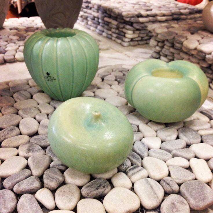 Älskar också den fina duken av stenar från fulleröhandel