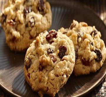 Oatmeal-Raisin Cookies-is an easy, quick and delicious recipe for a dessert, coffee break or treat. Makes 6 dozen cookies with a (2) cookie serving size. Cinnamon, oats and raisins with brown sugar combine together to make these delicious, chewy cookies. No store bought cookies could match these fabulous home baked delights. It is also a low calories, low fat, low cholesterol, low sodium, low carbohydrates, heart-healthy, Weight Watchers (4) PointsPlus recipe.