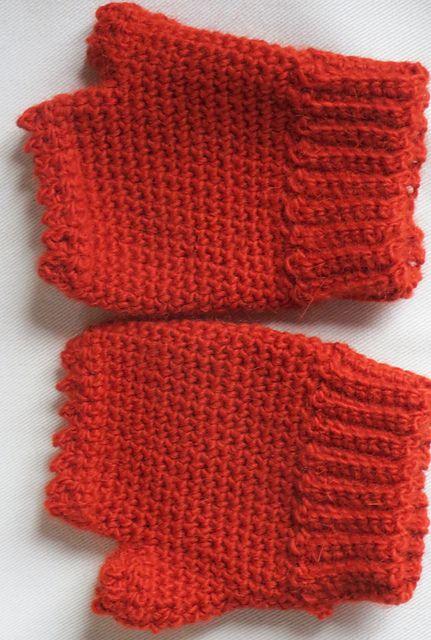 Ravelry: jchips' fingerless mittens