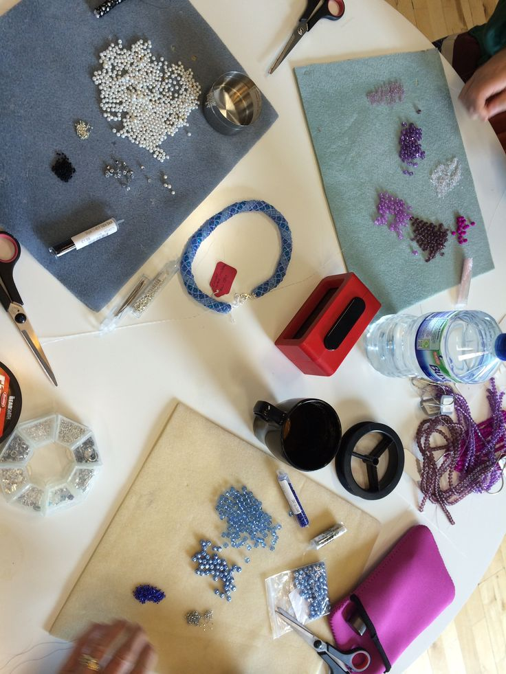 Busy class but a tidy table!  http://www.thebead.co.uk/acatalog/Jewellery_Making_Classes_Glasgow.html