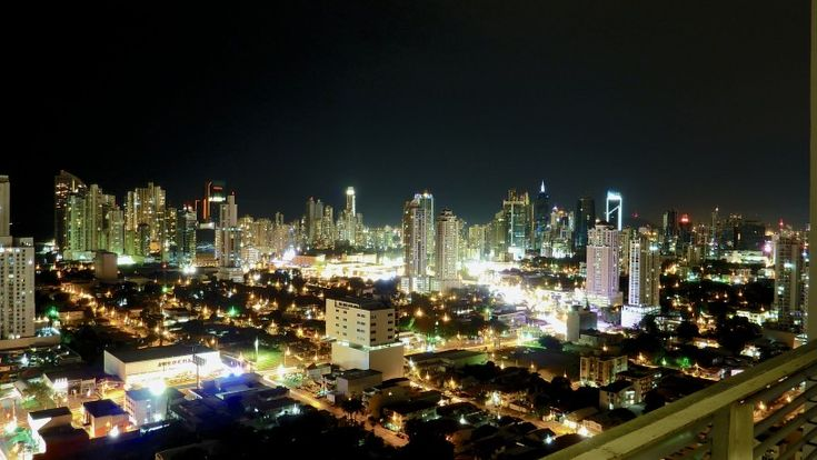 Do you love a city that has a vibrant nightlife? Check out these great spots during your visit to Panama! http://www.panamalindatours.com/looking-incredible-nightlife-find-panama-city/