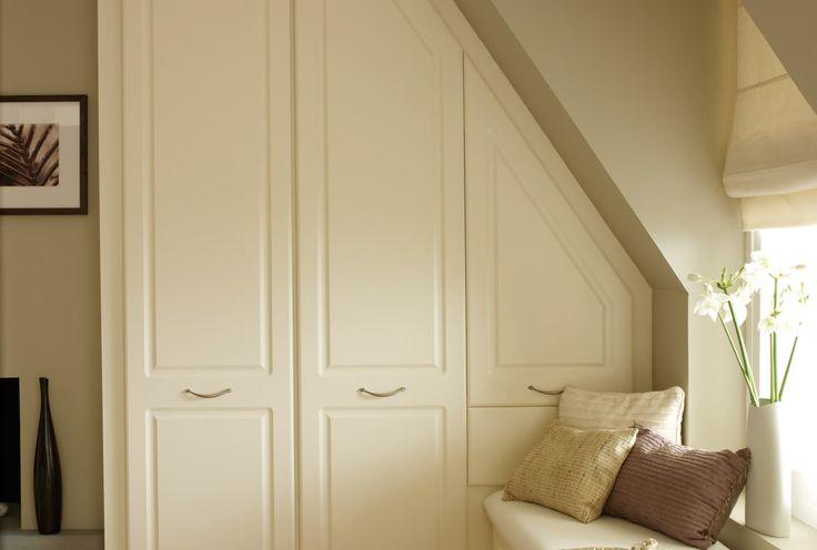 best 25 cream bedroom furniture ideas on pinterest. Black Bedroom Furniture Sets. Home Design Ideas