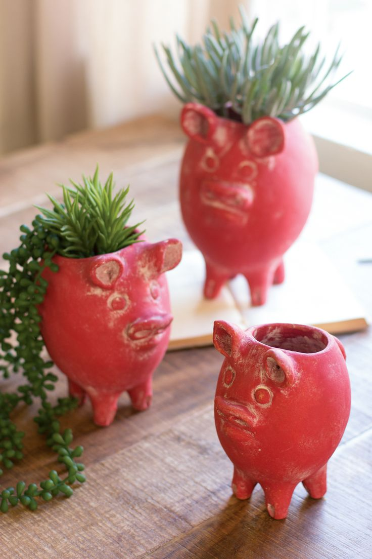 Clay Pig Planters