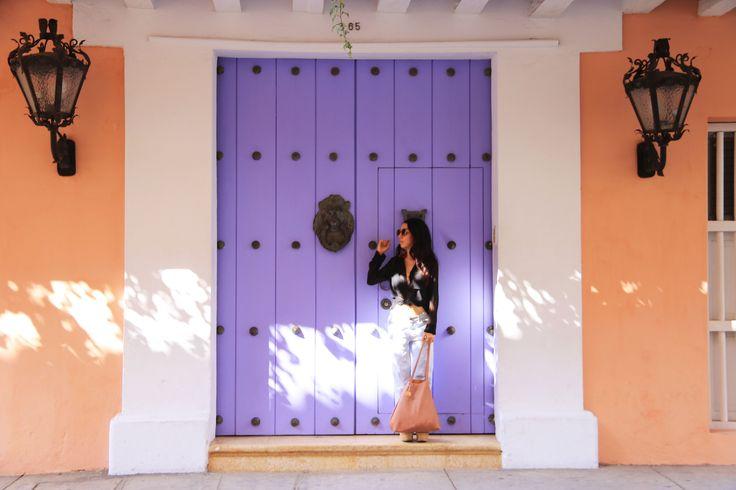Cartagena de Indias - ciudad magica, encantadora... sus calles resultan toda una  Fotografía