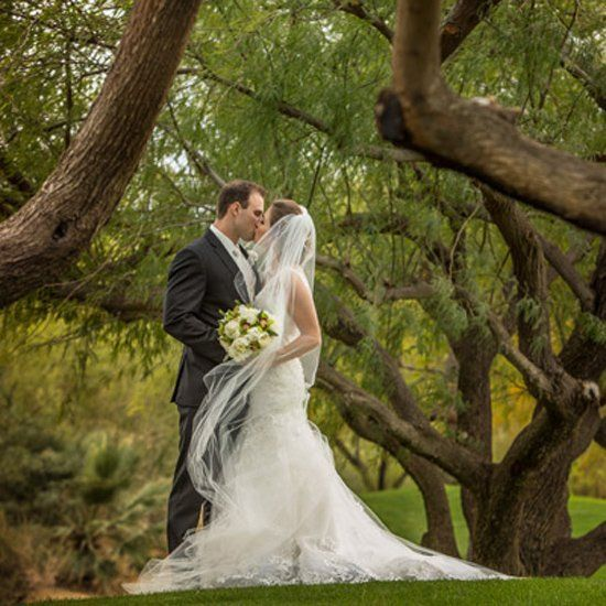 Angela and Adam's classically romantic wedding day will have you swooning. Photography: D2 Photography