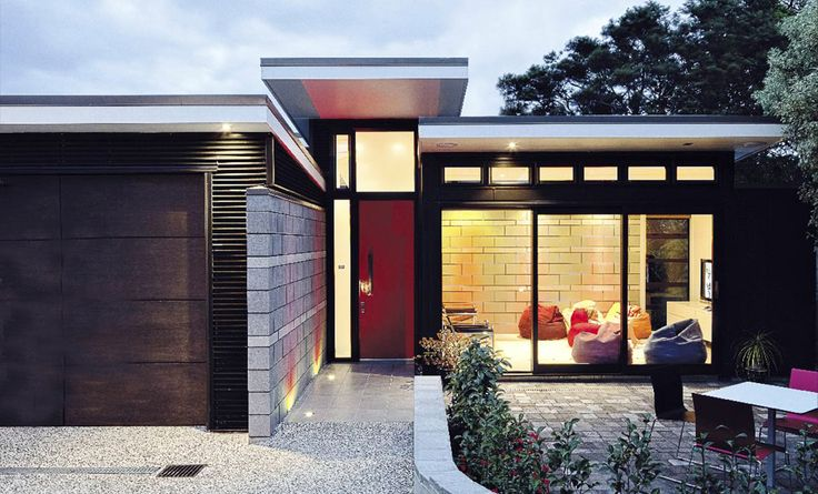 Modern New House in Point Chevalier by Architecture Smith + Scully Ltd.