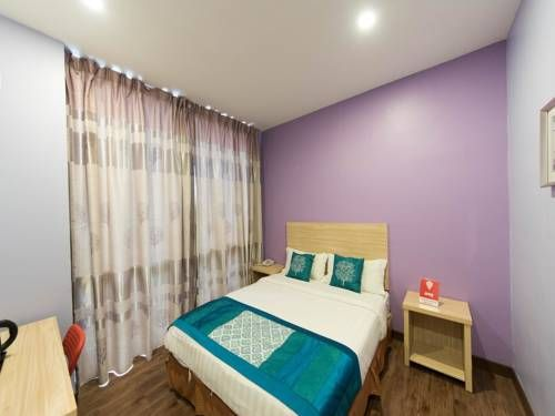 OYO Rooms Giant Kelana Jaya Petaling Jaya OYO Rooms Giant Kelana Jaya is set in Petaling Jaya, 6 km from KidZania Kuala Lumpur and 4.2 km from Sunway Lagoon.  Each room at this hotel is air conditioned and is fitted with a flat-screen TV.