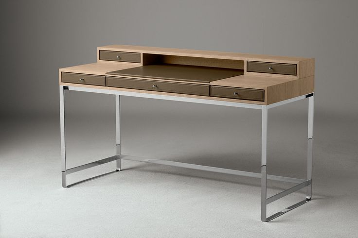 Desk Proust, designed and manufactured by Oasis for its Home collection. Completely made in Italy.