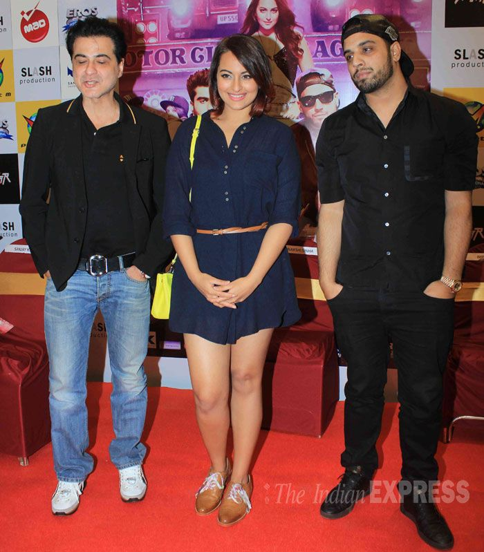 Sonakshi Sinha at 'Tevar' promotional event along with producer Sanjay Kapur and singer Imran Khan. #Bollywood #Fashion #Style #Beauty