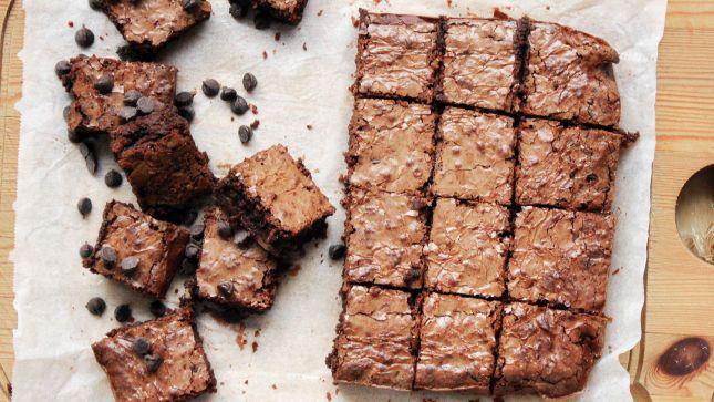 SJOKOELSK: Kaken blir myk og klissete slik en god brownie skal være. Foto: Fredrik Solbakk Andersen