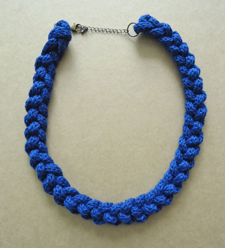 Bright blue chunky knitted & knotted necklace | Felt