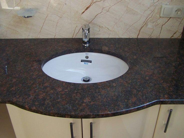 Blat łazienkowy z granitu Coffe brown