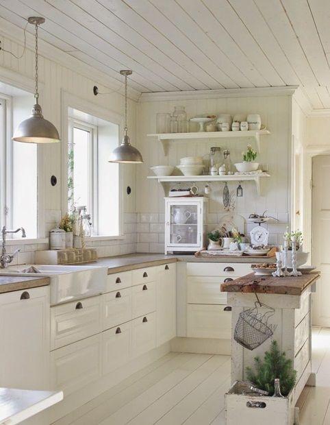 Kuchnia W Stylu Cottage Rustic Farmhouse Kitchen Small Kitchen Decor Country Kitchen