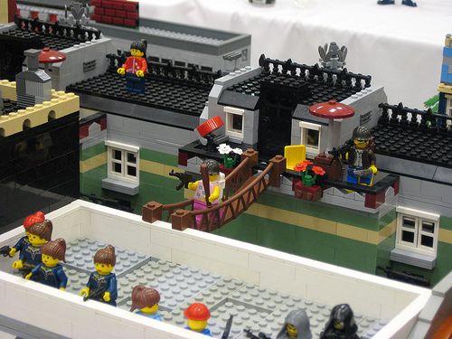 12 - Lego Zombie Apocalypse