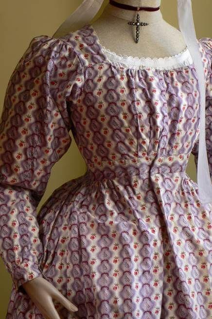 Robe artisane – Vers 1820/1825 - Fragonard Parfumeur #collection #Museum