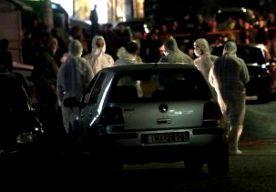 17-Nov-2013 6:44 - MOORD GOUDEN DAGERAAD OPGEËIST. Een onbekende Griekse groepering heeft de verantwoordelijkheid opgeëist voor de moord op twee leden van de extreem-rechtse partij Gouden Dageraad. De politie in Athene heeft de authenticiteit van de claim nog niet bevestigd. De groep, Revolutionaire Strijders van het Volk, eist de moorden op in een verklaring van achttien pagina's. Begin deze maand werden voor een partijkantoor van Gouden Dageraad in Athene twee mannen van begin twintig...