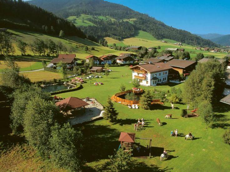 Flachau, vila no estado de Salzburgo, Áustria.