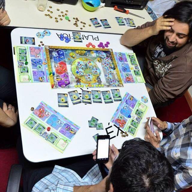 #terranovup #seriousgame #businessclass #strategythinking #innovabiobio #corfo #gametesting #businessmodelcanvas #gamification #boardgame