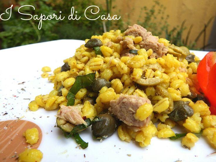 Insalata d'orzo con tonno olive e rucola