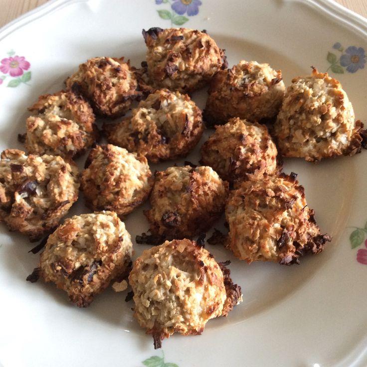 Gezond en lekker koekje van havermout en banaan, kokos en dadels. Geen suiker, geen boter.