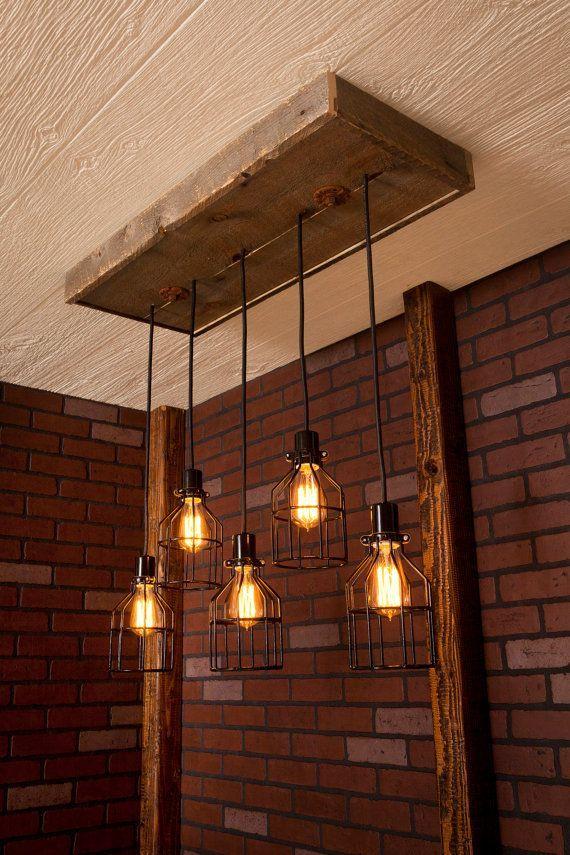 Beleuchtung / industrielle Beleuchtung, industrielle rustikale Kronleuchter, schwarz mit Altholz Holz und 5 Anhängern. R-1434-BC-5