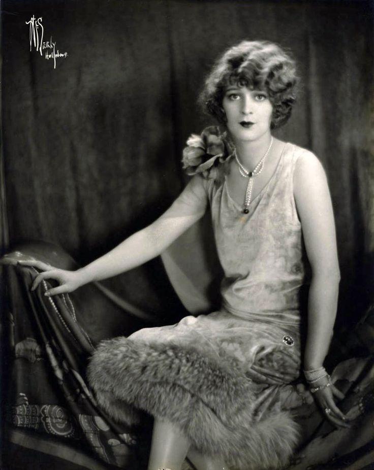 47 best images about 1920 39 s on pinterest. Black Bedroom Furniture Sets. Home Design Ideas