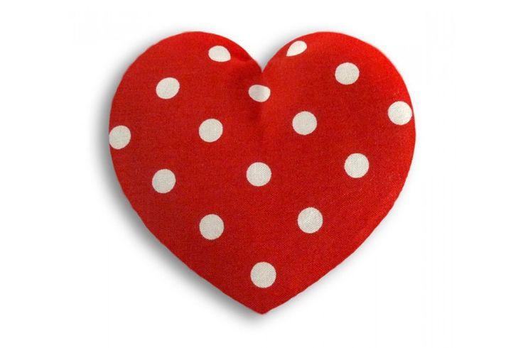Warming Pillow Heart van Leschi Dit heerlijke kussentje kan je verwarmen in de magnetron en oven. Ze zijn in verschillende stoffen, maten en kleuren verkrijgbaar.  #sint #sinterklaascadeau #moederdag #kerst #kerstcadeau #liefde #hart