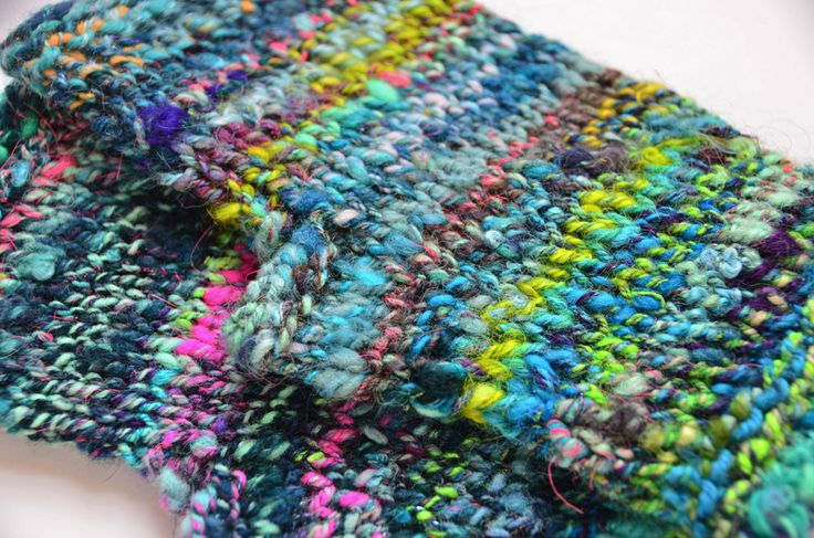 Free Crochet Patterns For Bulky Yarn : bulky handspun yarn knit fingerless mitts pattern Yarnie ...