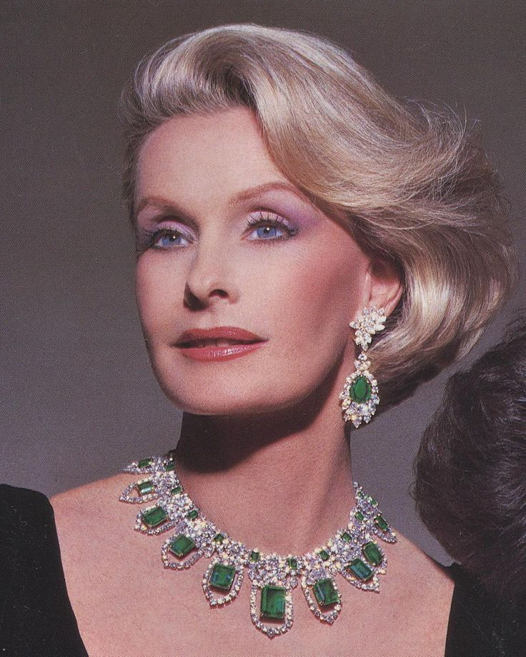 The beautiful Dina Merrill wearing Harry Winston. Photo by Victor Skrebneski. Town & Country.