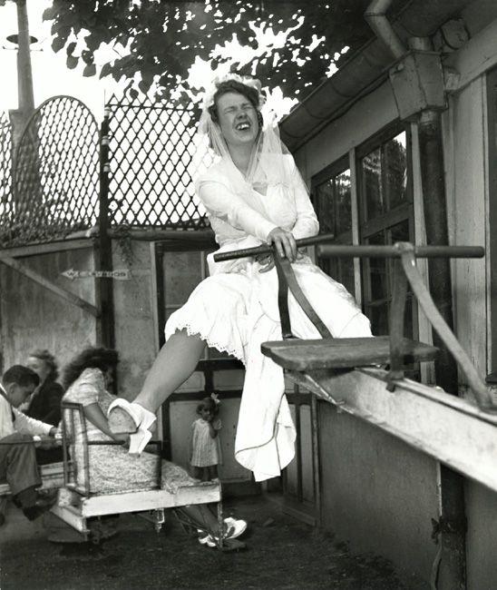 Robert Doisneau - Chez Gegene, Quai de Polangis, Joinville-le-Pont (La Mariée, The Bride), 1946. S)