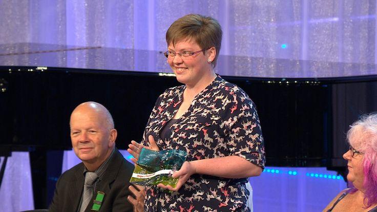 Hannah Roberts yw Dysgwr y Flwyddyn | Eisteddfod Genedlaethol