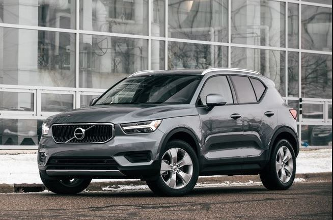 2020 Volvo Xc40 Momentum Price Overview Review Photos Fairwheels Com In 2020 Volvo Volvo Suv Volvo V40