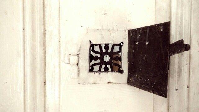 Open door ...